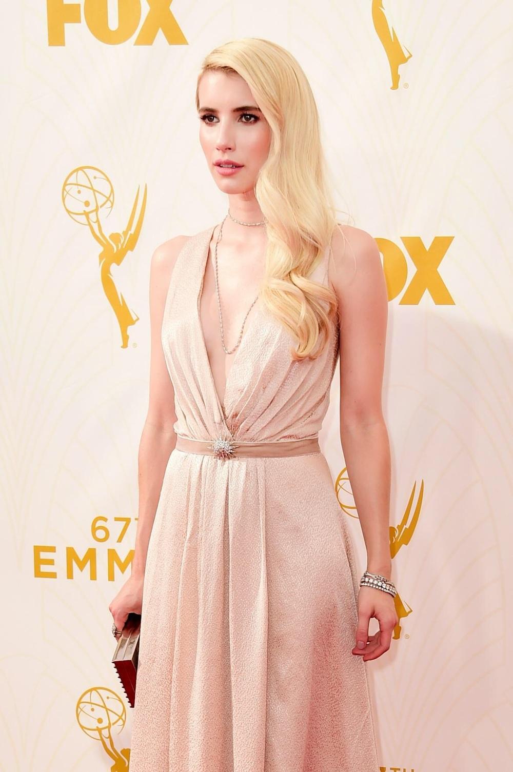 EMMA ROBERTS, Jenna Packham gown