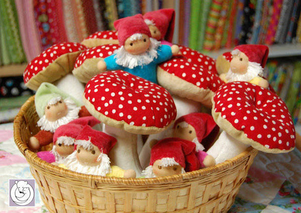 basket-full-of-gnomies-and-.jpg