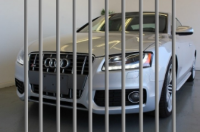 2012-audi-s5-sold-for-throwaway-money-because-owner-is-going-to-jail-86652-7.jpg