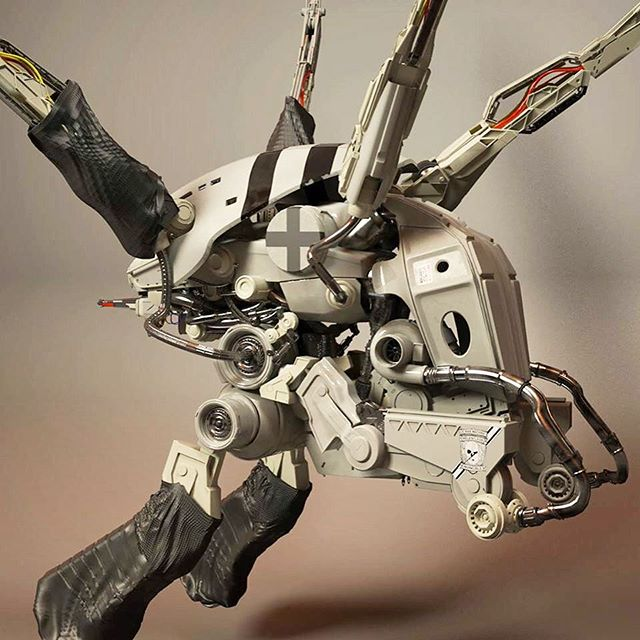 A bit of look dev on this little mech my buddy modeled out! Turned out pretty sick! #maya #Mari #texturing #modeling #art #3d