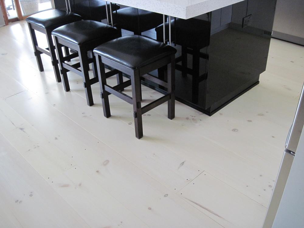 prefinished wide plank pine flooring