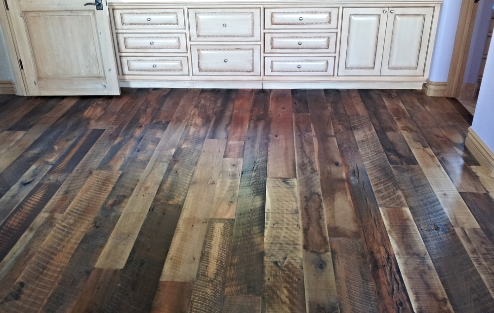 Reclaimed wood flooring gallery raven hardwood flooring for Recycled wood floor