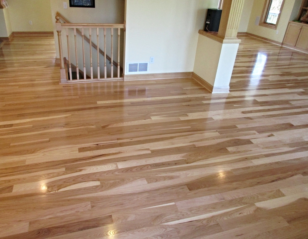 Hickory wood flooring raven hardwood flooring for Hardwood floors hickory