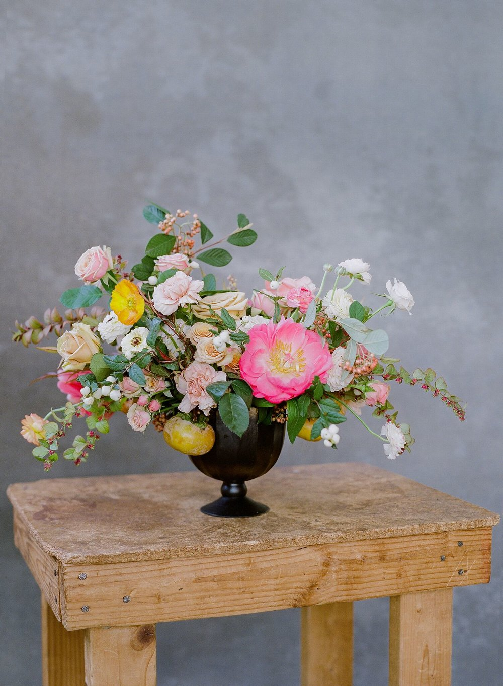 Arrangement by BLOOMS by breesa lee for the Tulipina Workshop Photo by Jose Villa