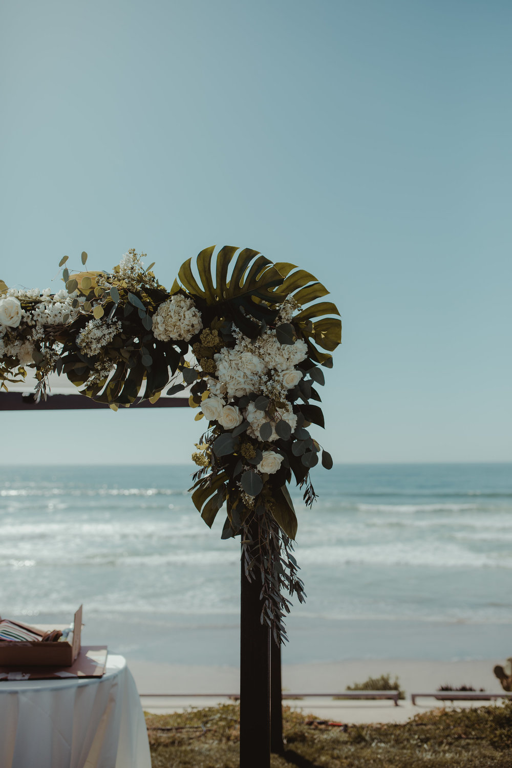 lolo-and-noa-la-jolla-wedding-scripps-blooms-by-breesa-lee-18.jpg