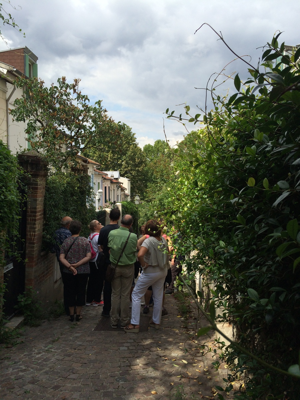 Tour Group on Villa des Lilas