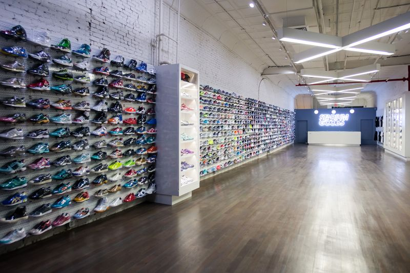 """<h2>New York Racked</h2><br><div style=""""margin: -20px 0 30px 0;""""> New York City's 12 Best New Stores of 2015</div>"""