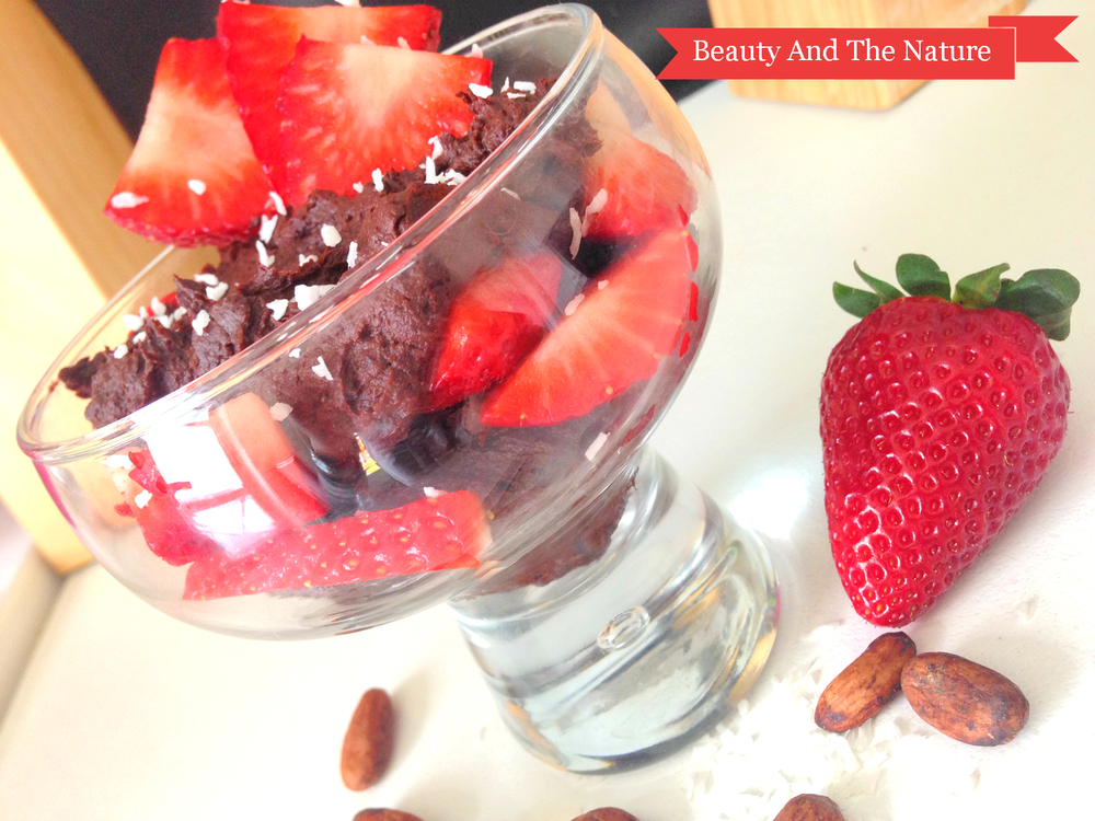 Raw Vegan Chocolate Beauty and the Nature Strawberries