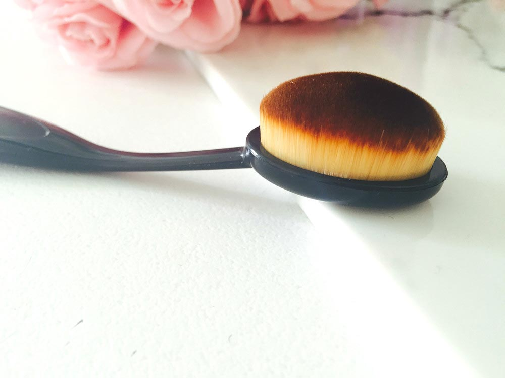 Beauty_and_the_nature_makeup_brush_dupe_ovel6.jpg