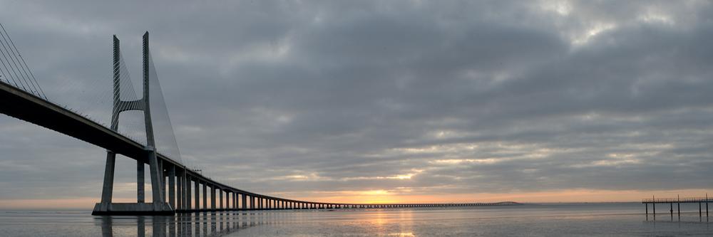 Sightseeing in Portugal with Lisbon Photo Tour - Vasco da Gama Bridge