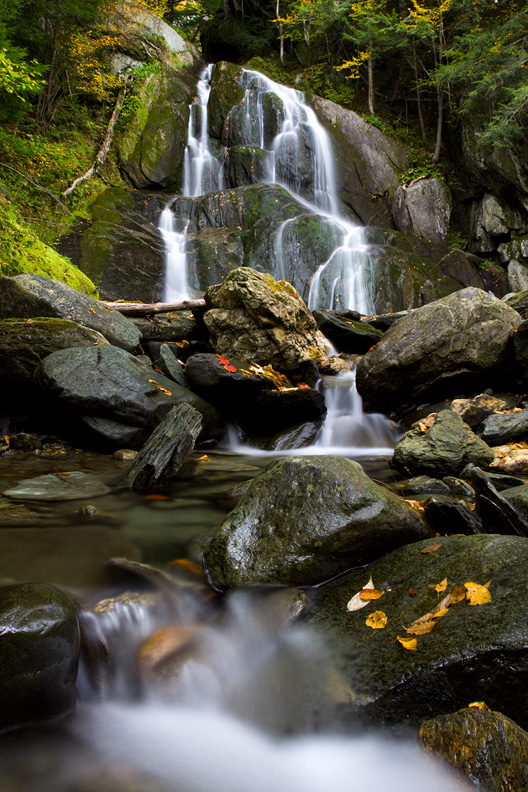 Moss Glen Falls in Autumn, Green Mountain National Forest, Vermont, United States.