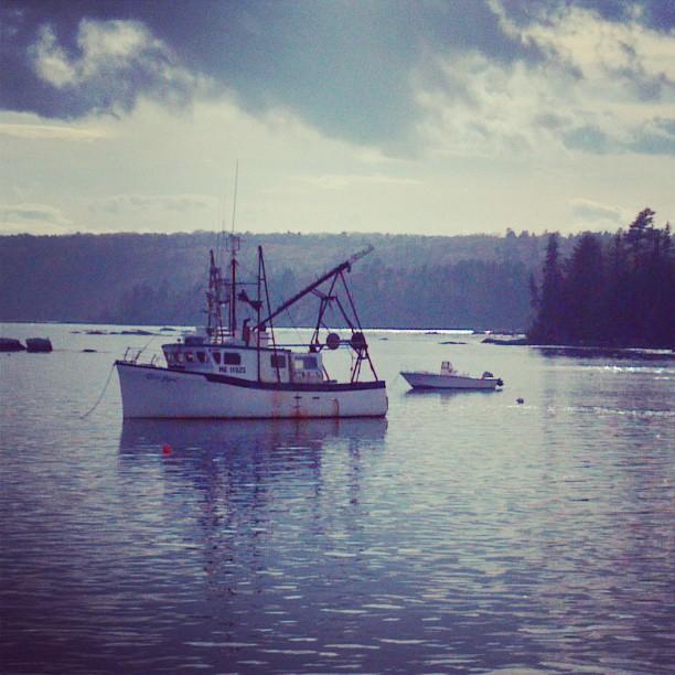 dusk boat maine