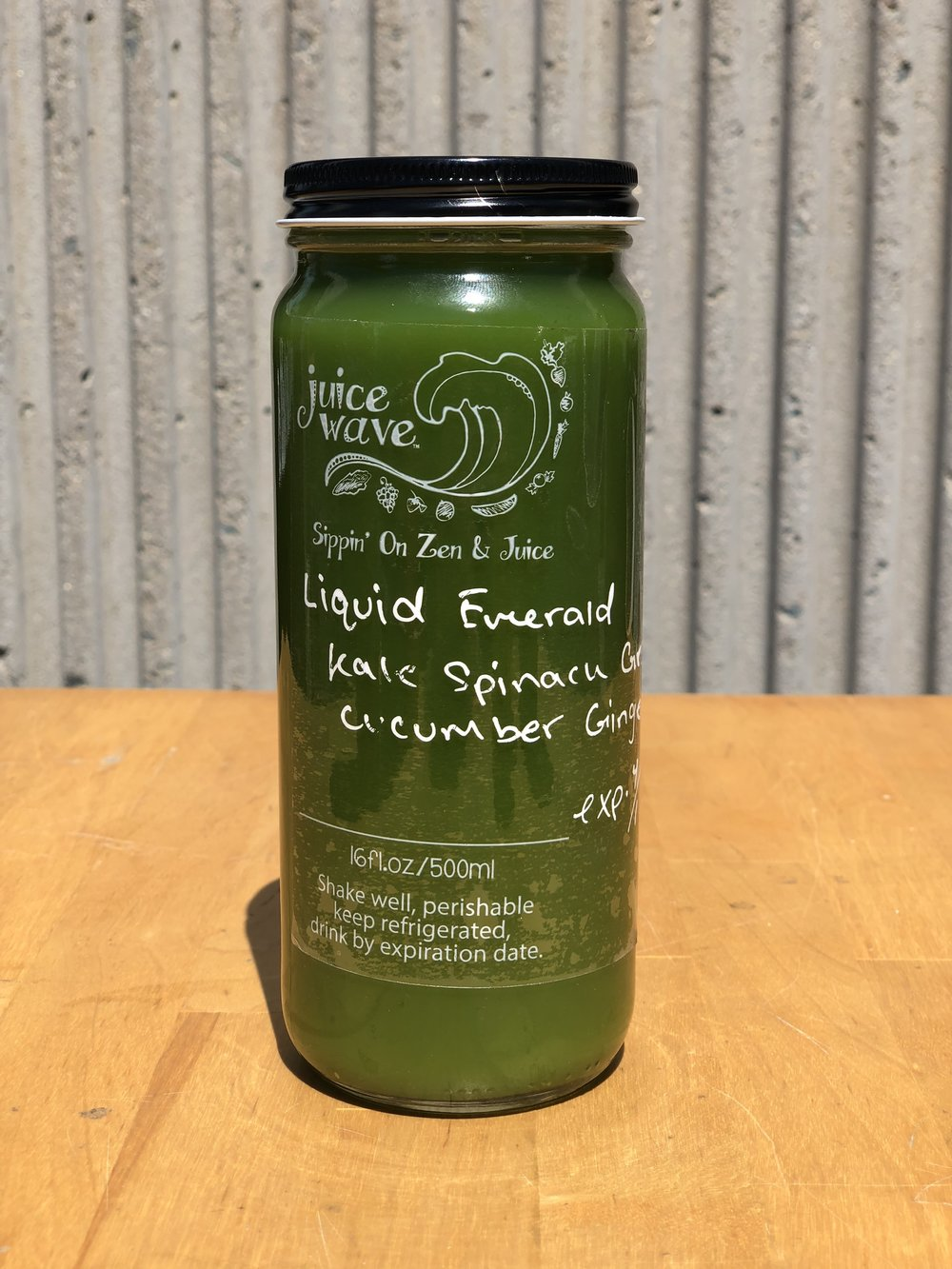 LIQUID EMERALD: Kale. Spinach, Green Apple, Cucumber, Ginger, Lime