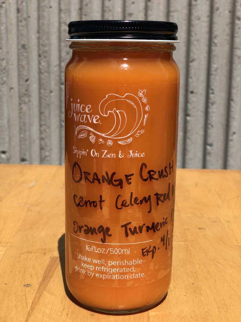ORANGE CRUSH: Carrot, Celery, Red Apple, Ginger, Turmeric, Orange