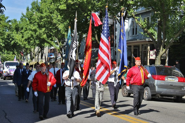 Emmaus Memorial Day Parade (2013).jpg