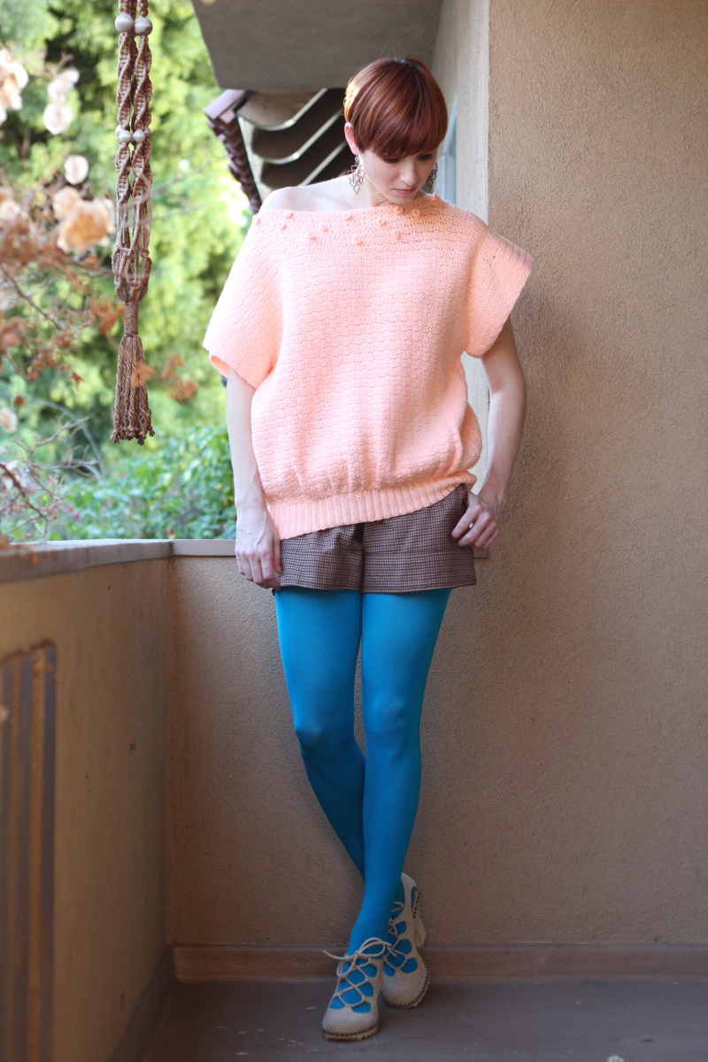 oversized peach 80s sweater_4.jpg