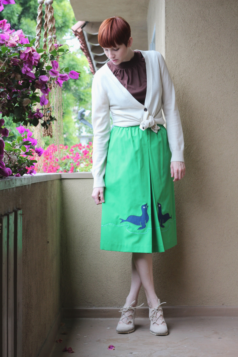 seal applique skirt_2.jpg