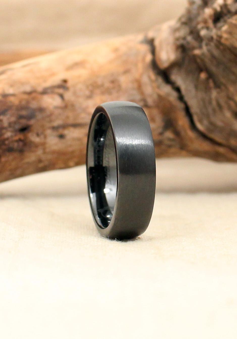 Black Ceramic Ring