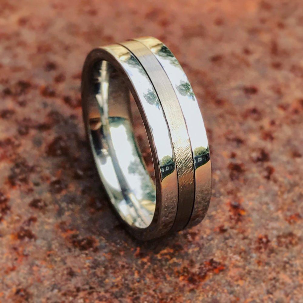 concorde-compressor-vane-cobalt-ring-wedgewood-rings.JPG
