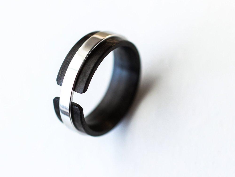 carbon-fiber-cobalt-suspension-ring-wedgewood.JPG