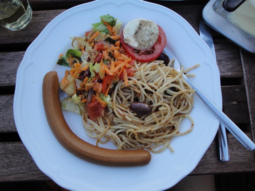 Random tapas with vegan sausages mhhhh...