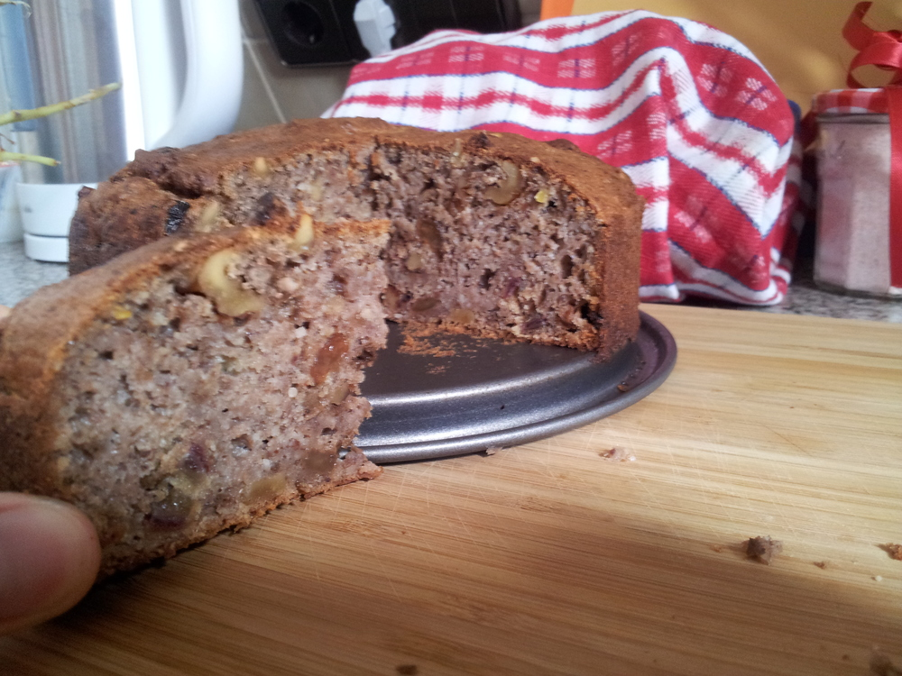 I was attempting sugar-free living so I had to make a sweetener-free Banana Bread quickly