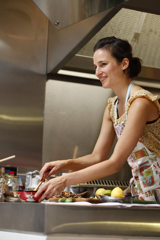 carin kitchen class.JPG