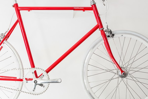Sarah_Anderson_Photography_Tokyo_Bike_Red_Bike.jpg