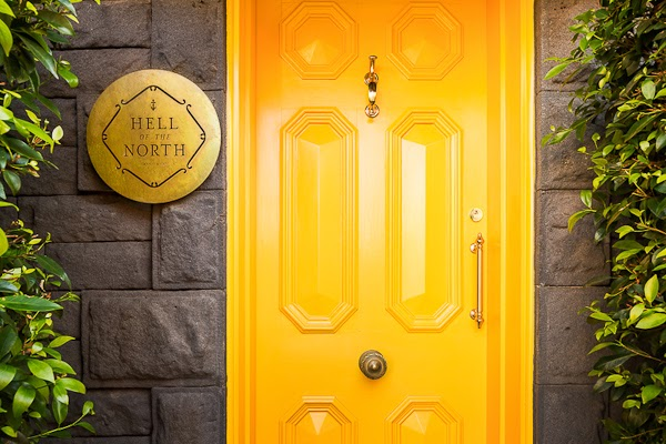 Sarah_Anderson_Photography_Yellow_Door.jpg