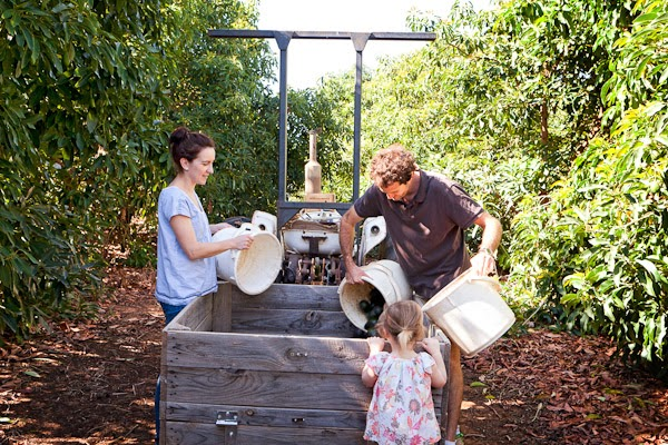 Barham_Avocados_Sarah_Anderson_Victoria_trees_truck_couple_girl_man_woman_avos_buckets