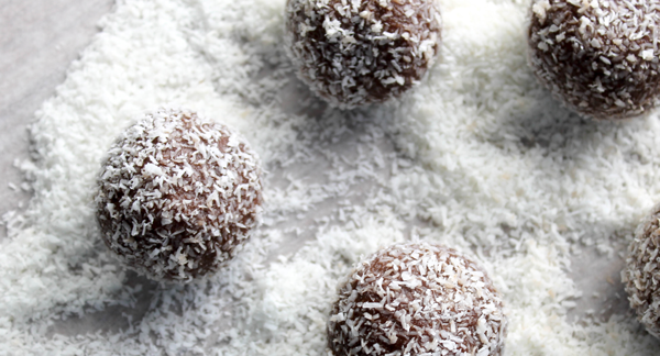 Paleo Chocolate Truffles | Ari Eats