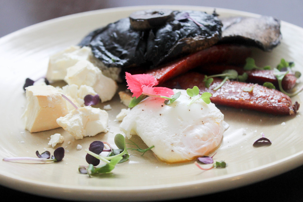 Chorizo, portobello mushroom, poached egg, smoked feta.