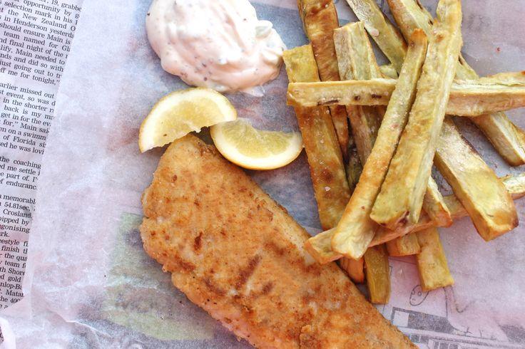 PALEO FISH AND CHIPS ARI EATS.jpg