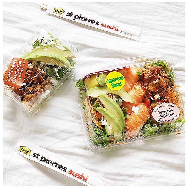 Super happy to see balanced options like these at St Pierre's in St Luke's 🍱🍣🥗 The one on the left is half teriyaki chicken on rice and the other half is a Japanese salad with avocado ❤️ The one on the right is a salad on 1/3 topped with avocado, the 2/3 is Salmon Nigiri and the 3/3 is Teriyaki Salmon on salad ✨😍