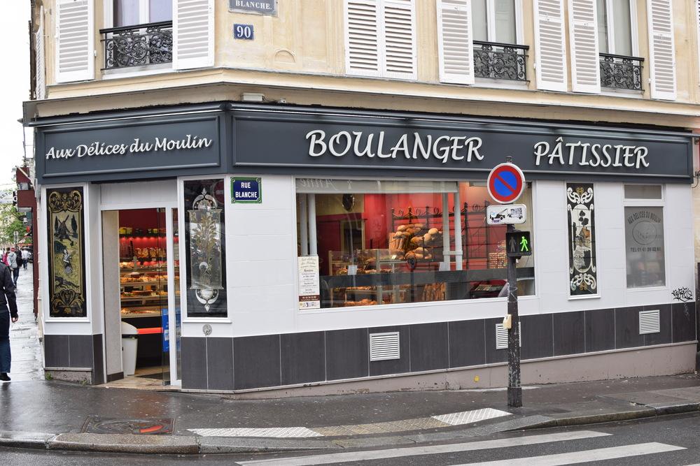 cukrárna Aux Delices du Moulin kousíček od Moulin Rouge