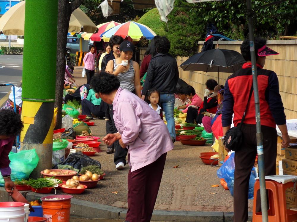pouliční prodej zeleniny