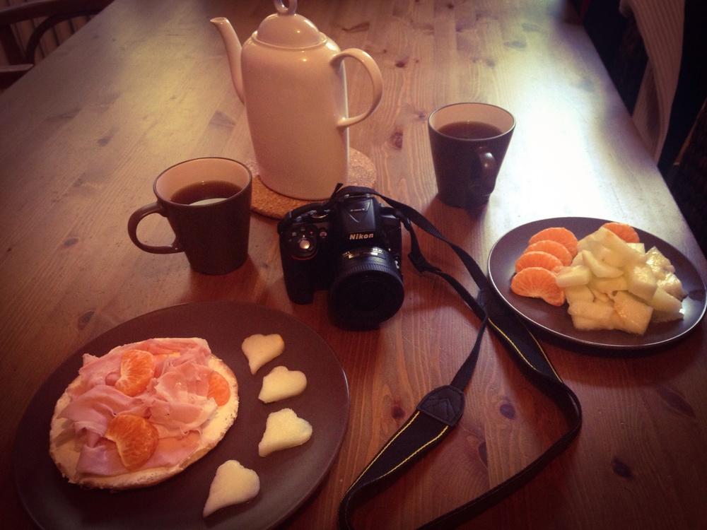 Ke snídani klidně mandarinky a meloun (srdíčka), tentokrát s mortadellou.