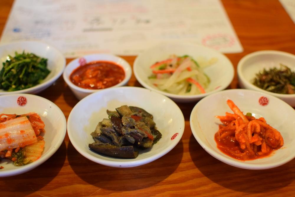 kimchi - miska vlevo dole