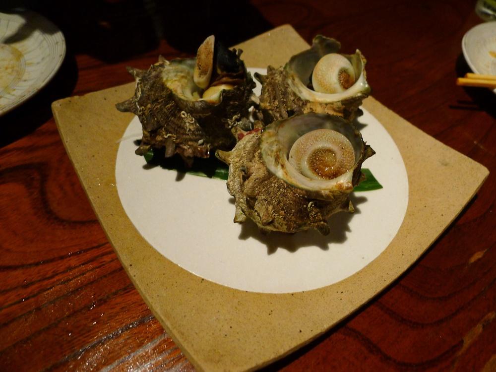 """japonská specialita """"turban shells"""", prudce spařené/vařenév ulitách"""