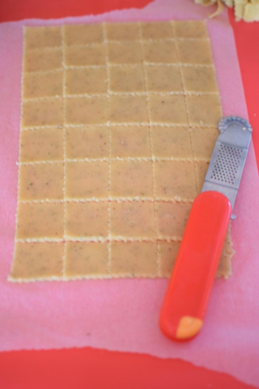3. nakrájet na sušenky a neoddělovat