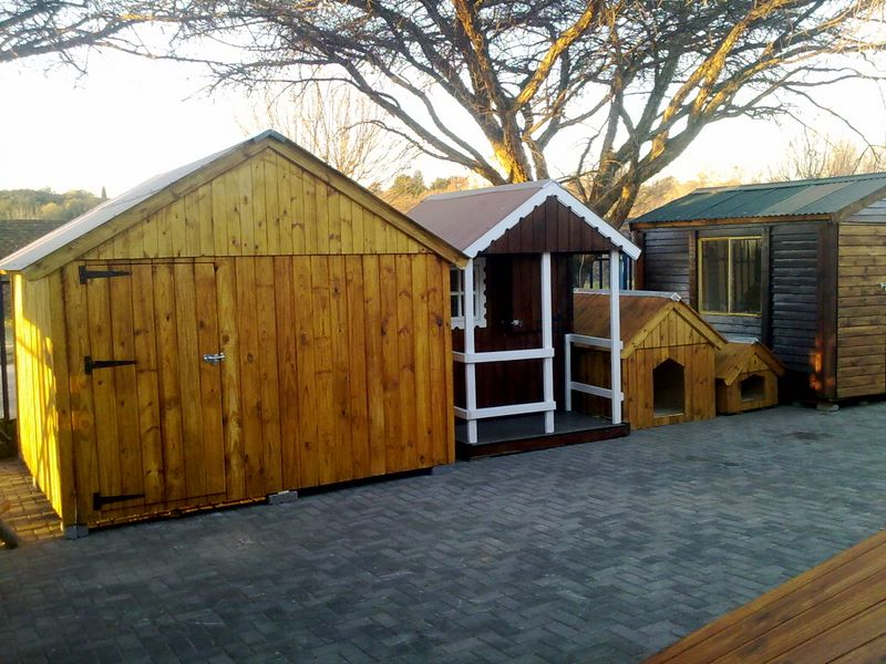 Wendy houses, toolsheds and dog kennels