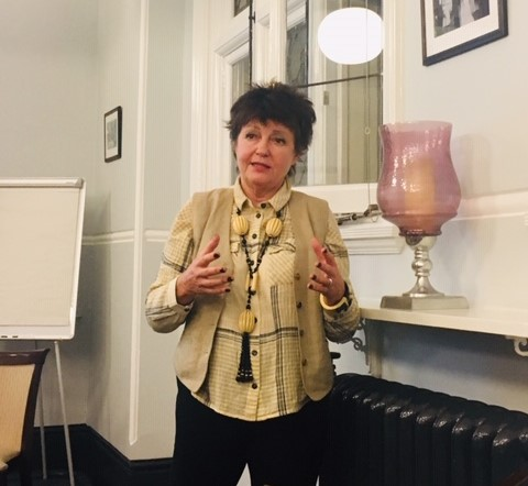 Susie giving a talk on Graphology at the Mayfair Library, London