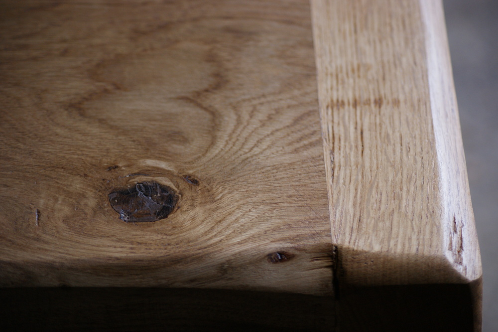 X leg bespoke oak & iron table top oil finish detail