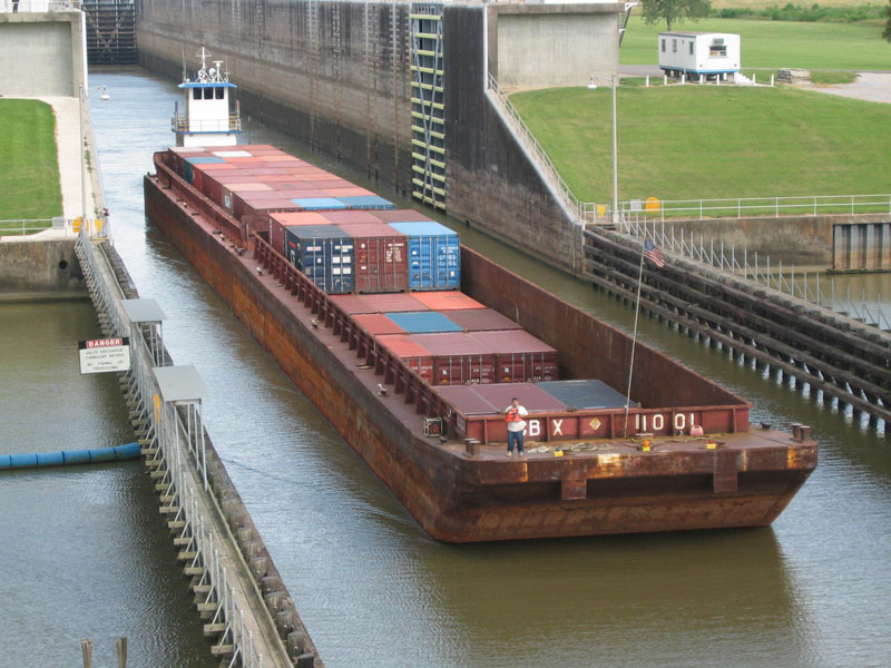 2000 First Container Barge through Port Allen Locks