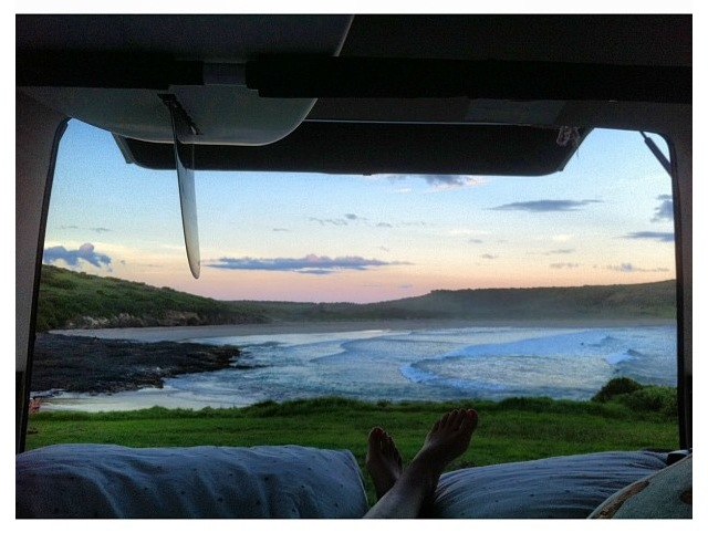 Chambre avec vue #14 The farm - South coast of NSW Sydney Australia Dream catcher : Ben Davies How did you arrive here ? Girlfriends VW, 1989 kombi/transporter van so epic ! Wish it was mine. We came down here for her mal comp. Who is with you ? Just me and my girlfriend What did you bring with you ? Blankets, pillows, Sean Wilde log, 1975 morning star single fin, 5,4 sperm whale. And the essentials. Next place you will get lost ? Just waiting to finish school then we are travelling to the north coast places like noosa, Byron bay, tweed heads just for an escape and to see some old friends.