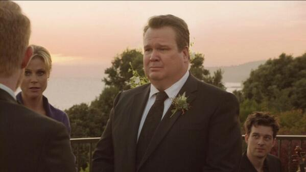 Performance at the Wedding episode, Modern Family ABC May 21, 2014   Screencap by @tinotino_s