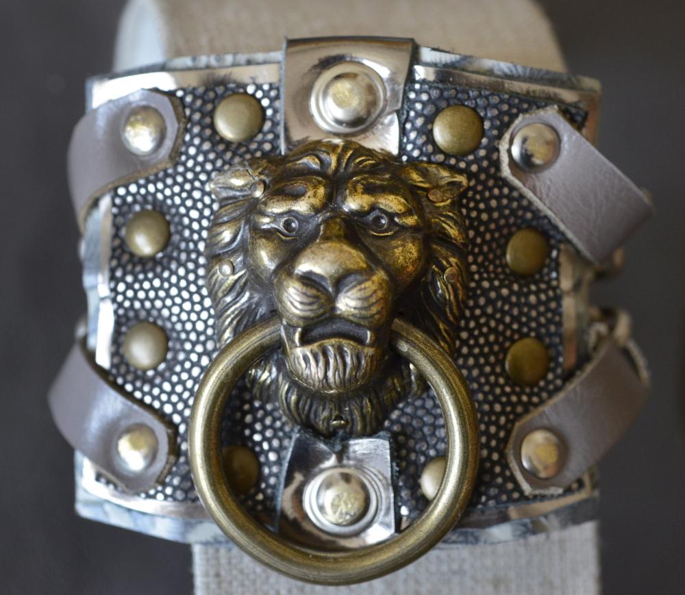 Lioness Cuff