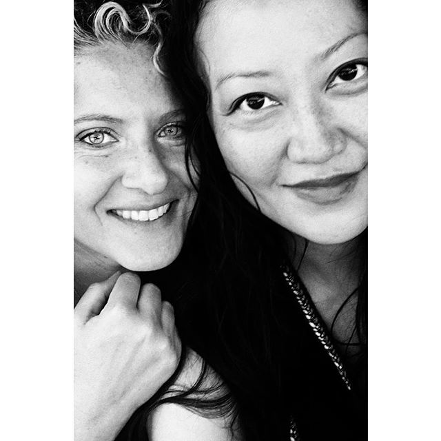 b e s t i e s —  Ever meet someone, even for a brief time and immediately know...I need to know you in my life?! #otsp #livelikeyouretraveling . . . . #blackandwhite #blackandwhitephotography #bandw #besties #bestfriends #portrait #portraits #portraitslife #portraitsphotography #travelbuddies #chicagogrammers #bff #travelbuddy #utrecht #globalcreator #netherlands🇳🇱 #netherlands
