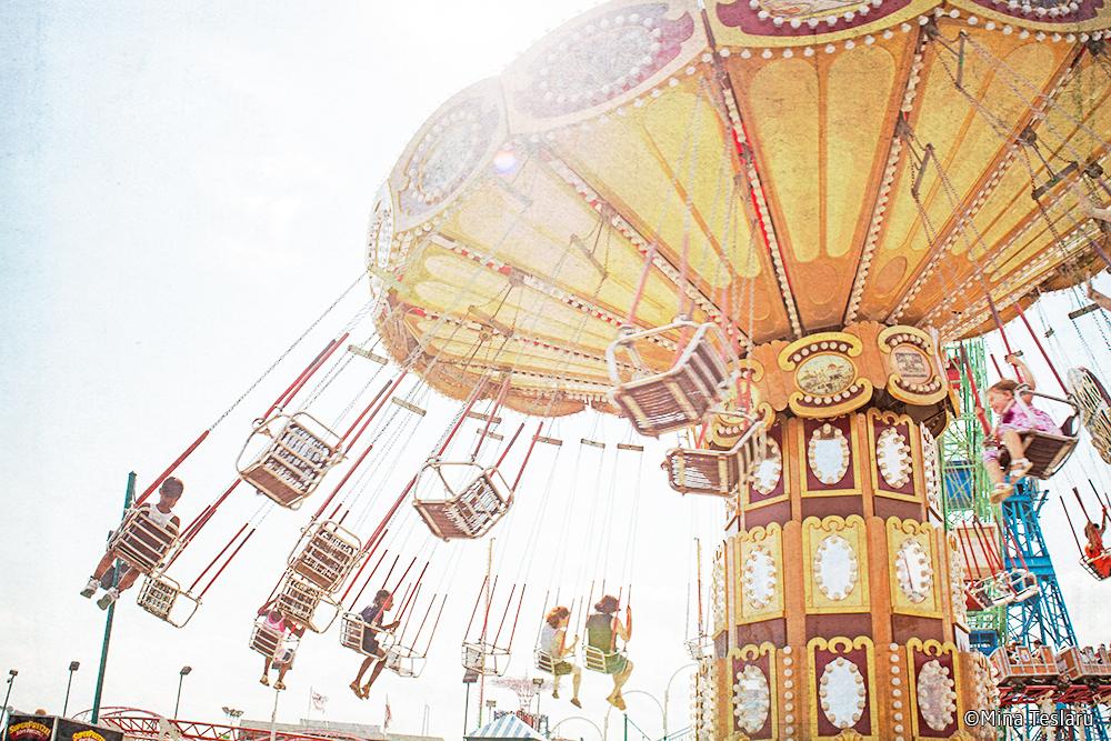 -- Aerial Swing Ride --