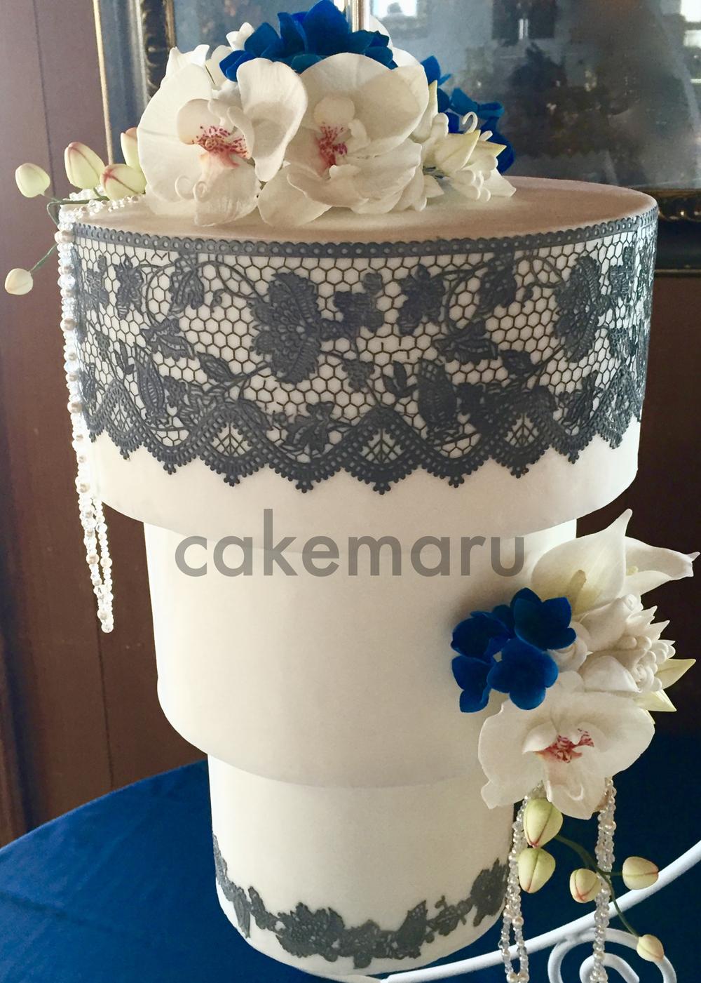Chandelier Cake 2.jpg